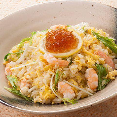 海老と水菜のあっさり炒飯 スープ付き中華ロンフービストロ