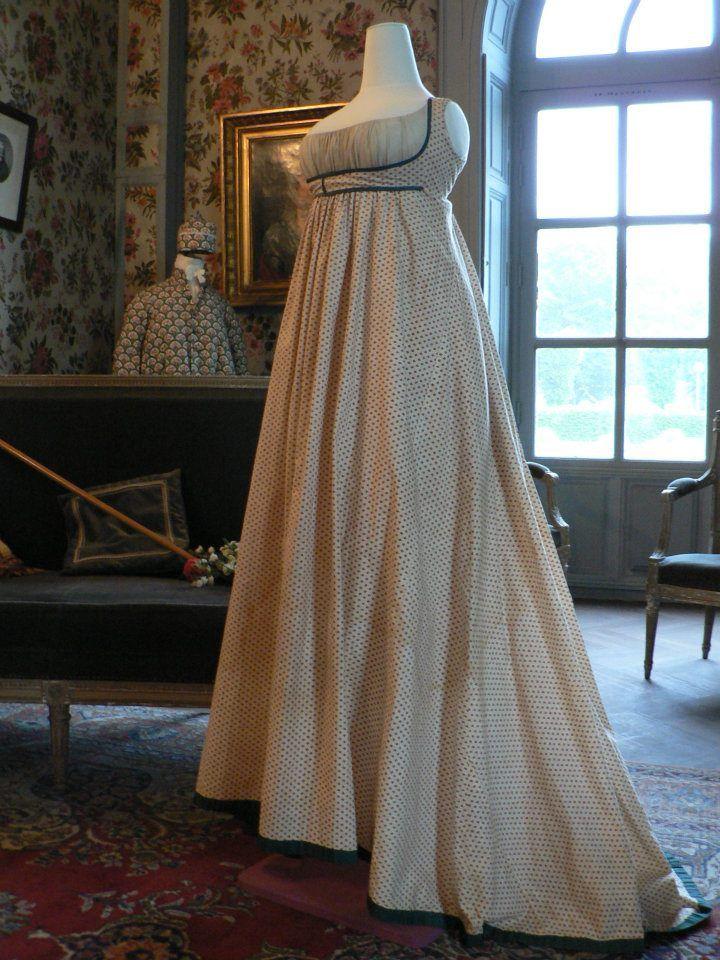 robe directoire de Mme Oberkampf (1795-1798) — at Musée de la Toile de Jouy