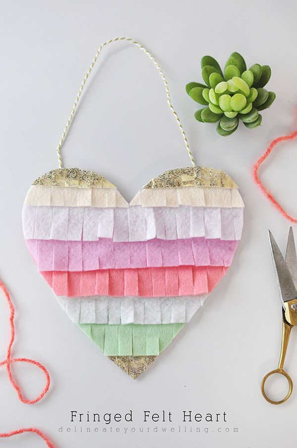 Fringed Felt Heart, the perfect Spring or Valentine's Day craft! Delineateyourdwelling.com