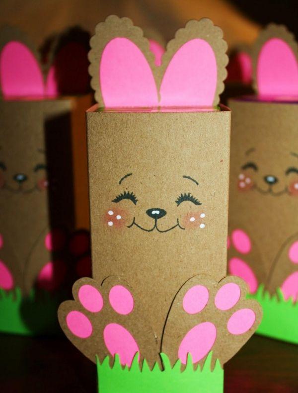 lächelnder Osterhase Ideen Dekoration aus Farbpapier malen