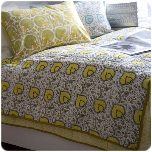 Bungalow yellow leaf print quilt
