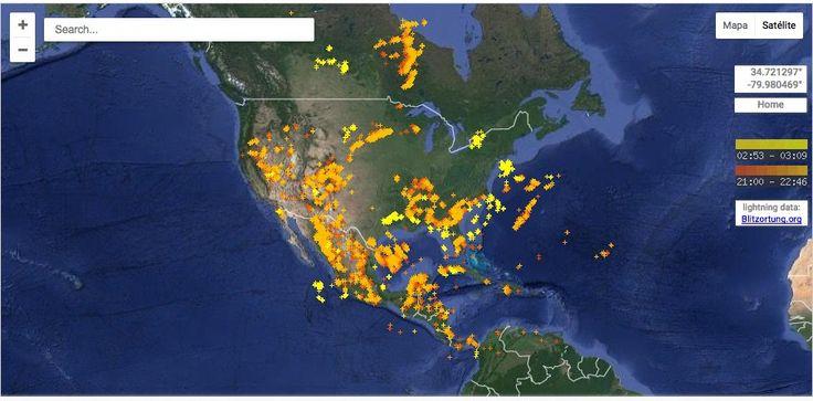Real-Time Lightning Map es un mapa interactivo que muestra cada rayo que cae en la Tierra en tiempo real.