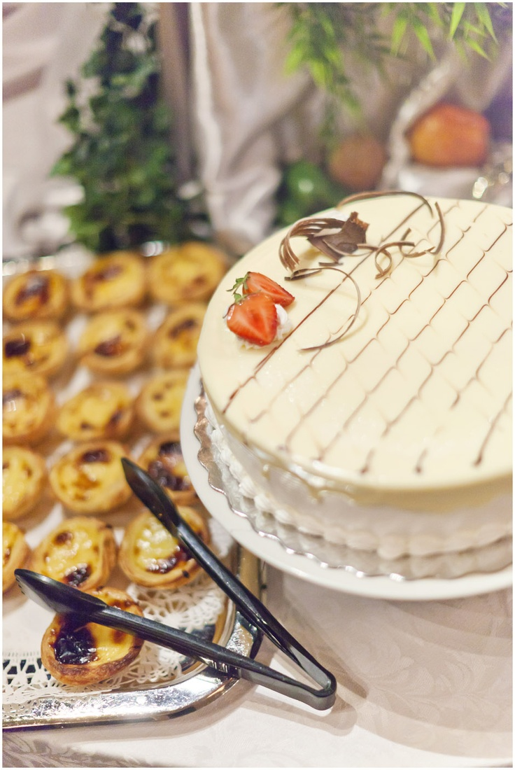 Delicious Dessert Table - Toronto Wedding Photographer - www.swiegotstudios.com