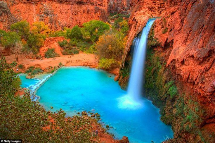 10 прекрасных уголков земли, еще не испорченных туристами  Водопады Хавасу в Национальном парке Гранд-Каньон в штате Аризона.  Читать больше: http://turism.boltai.com/topics/10-prekrasnyh-ugolkov-zemli-eshhe-ne-isporchennyh-turistami/