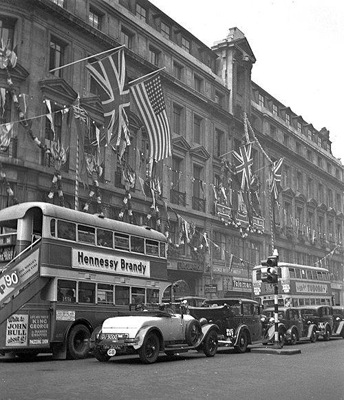 London traffic, 1935