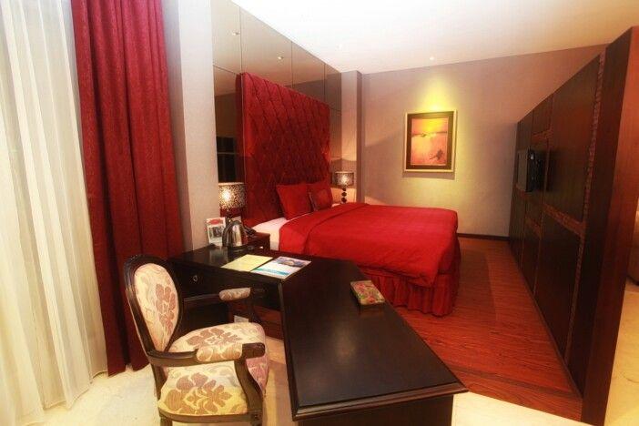 Executive Suite - Book now: www.thepalaisdago.com