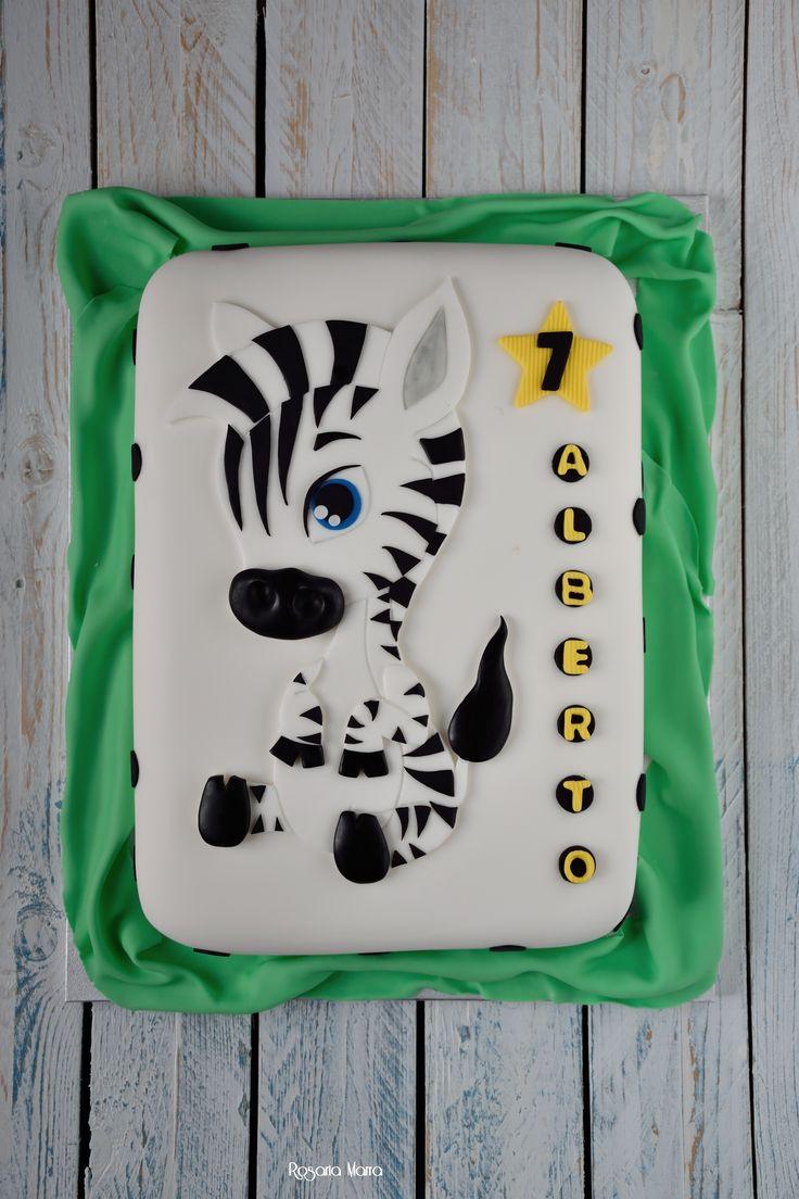 """Eccola ! piccoli Juventini crescono...#festa #party #compleanno #Juventus #calcio #sport #ilove #bianconero #foodphotography consegnata presso sala feste """"CIRCUS"""" Taranto."""