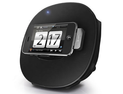 Наш очередной мини-обзор рассказывает о двух док-станциях, которые вы можете приобрести в интернет-магазине «Связной». Одна из них, iLuv IMM190BLK, превратит iPhone в переносную стереосистему, работающую от батареек. Вторая, Sony Ericsson DK10 LiveDock, понравится игроманам — владельцам устройств от Sony Ericsson: с ее помощью к смартфону можно подключить мышку, клавиатуру и даже игровой контроллер!