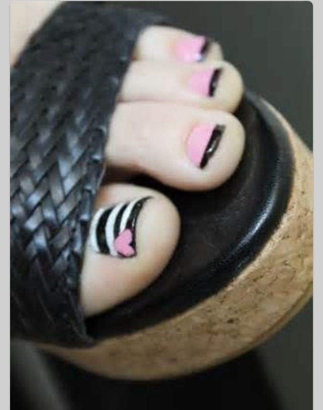 Love this pedicure!....minus the shoes....