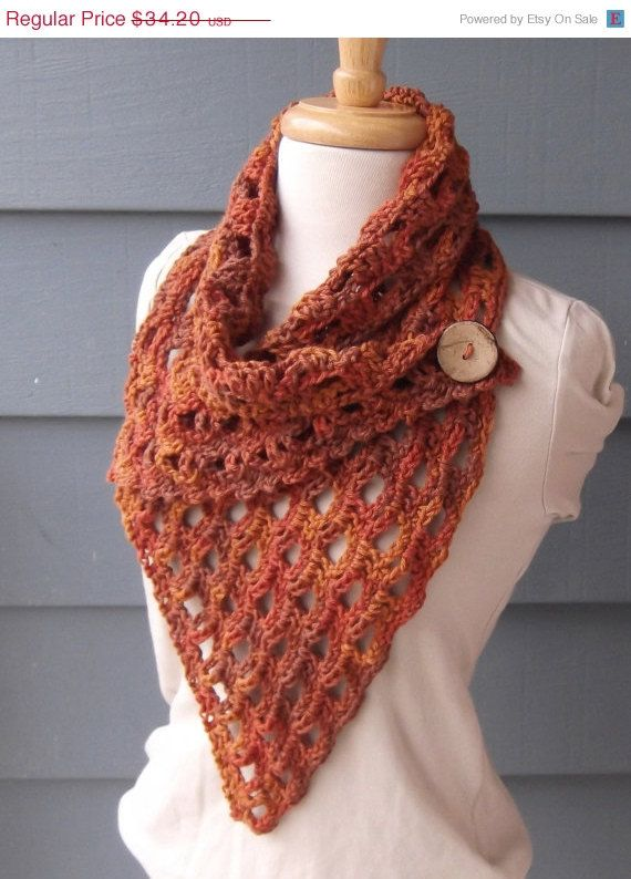 Sale/ RTS / IZZY Cowl with Button Lightweight by ArtsyCrochet, $32.49