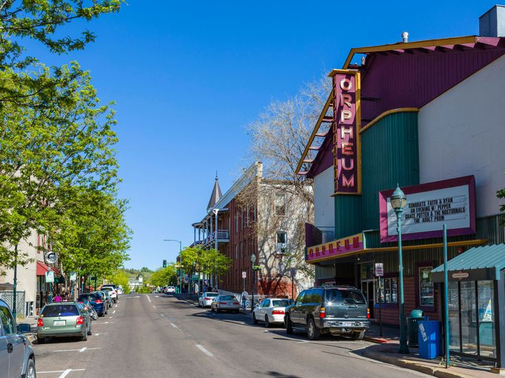 Detroit, Pittsburgh, Oakland Among Our Most Underrated American Cities - Condé Nast Traveler (8) Flagstaff, Arizona Flagstaff is a crunchy college town home to Northern Arizona University's main campus. (And, since it's a college town, there's a number of quality breweries).