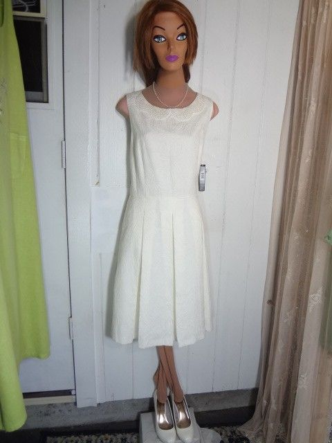 Tahari IVORY WHITE COTTON BROCADE New By Arthur S Levine Formal Sz 12 Dress. Free shipping and guaranteed authenticity on Tahari IVORY WHITE COTTON BROCADE New By Arthur S Levine Formal Sz 12 DressNEW WITH TAG, SEMI FORMAL, INFORMAL WEDDING, COCKT...