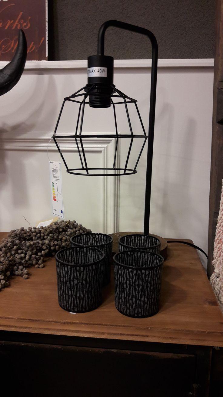 Tafellampje met staaldraad in de kleur zwart #homebymarije #wonen #woondeco #woonaccessoires