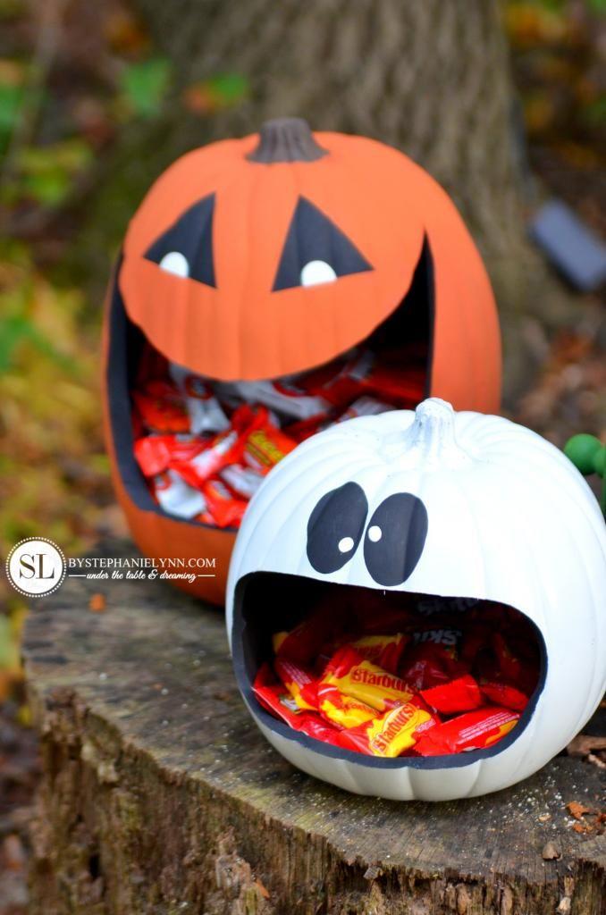 Faux Pumpkin Carving Ideas Candy Holder #michaelsmakers #trickyourpumpkin