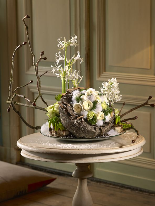 Table Decoration made by Boerma Instituut for magazine Special Bloemschikken. Want to learn how to make Floral Design arrangements? Please visit our website. #Floraldesign #Floraldesignschool #Holland #Dutchfloraldesign #Floral #Design #Table #Arrangement #Flowers