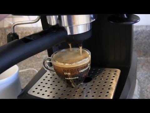 ▶ Review and Demo for the De'Longhi EC155 15 BAR Pump Espresso and Cappuccino Maker - YouTube