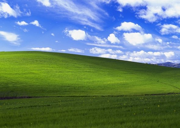Bliss One Of The Most Viewed Images In The World Piqueshow Windows Wallpaper Landscape Windows Xp