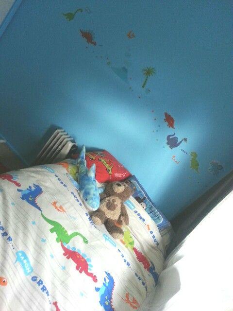 Max's room!-dinosaur fun