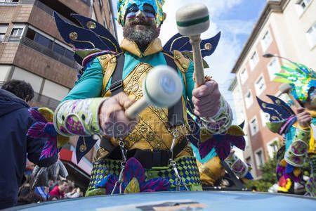 Download - Badajoz Carnival 2016. Troupe parade — Stock Image #98542702