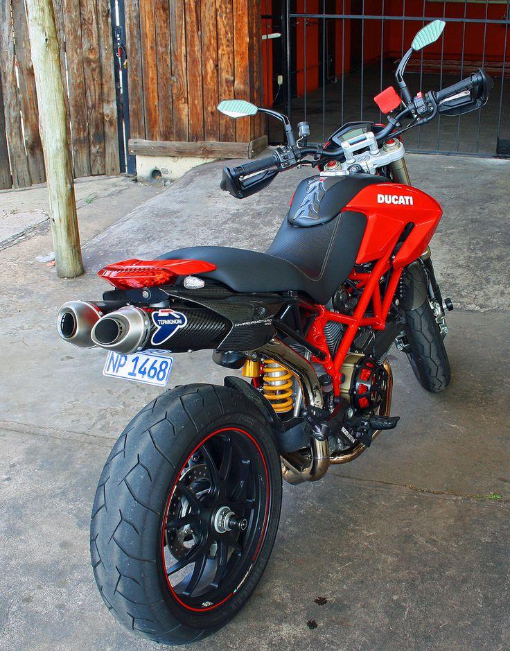 Ducati Hypermotard: Italian masterpiece