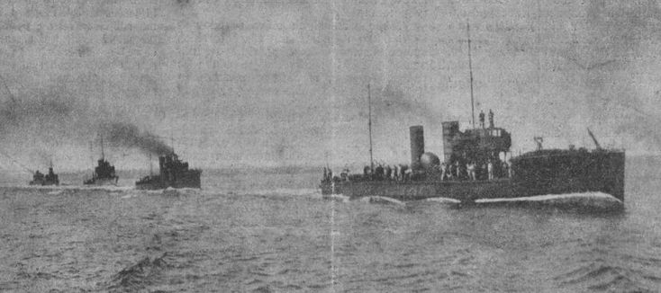ORP Mazur and ORP Kaszub at sea c. 1928.