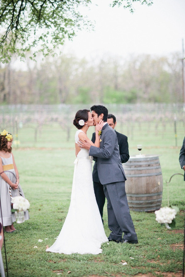 outdoor wedding venues in fort worth tx%0A Fort Worth Wedding at Lone Oak Winery by Jess Barfield Photography