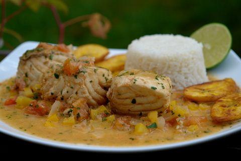 ecuadorean food   http://laylita.com/recipes/2008/07/25/pescado-encocado-or-fish-with ...
