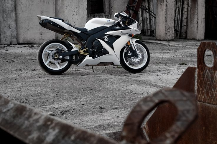 Photograph Yamaha YZF-R1 by Stanislav Usanov on 500px