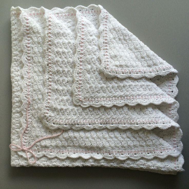 Barnevognstæppe i muslingemønster. #baby #blanket #crochet #crocheting #DIY