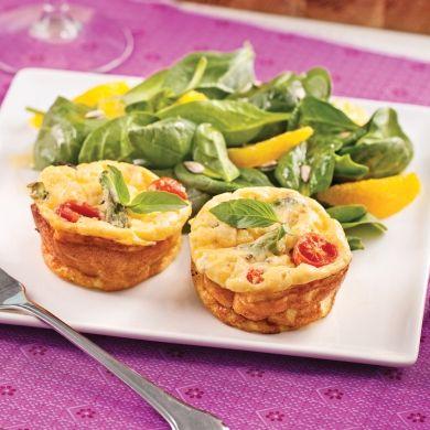 Mini-frittatas aux asperges et tomates - Brunchs - Recettes 5-15 - Recettes express 5/15 - Pratico Pratique