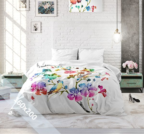 Sleeptime Pure Cotton dekbedovertrek 'Valeria'. Een 160x200 cm (Poolse maat) dekbedovertrek van 100% katoen met als basis een witte achtergrond. Daarop zijn verschillende grote bloemen gedrukt in alle prachtige kleuren van de regenboog.