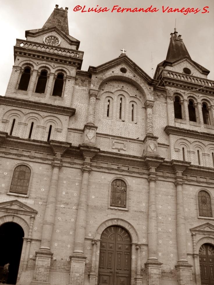 Iglesia de San Antonio de Padua de Barbosa - Antioquia (Colombia)