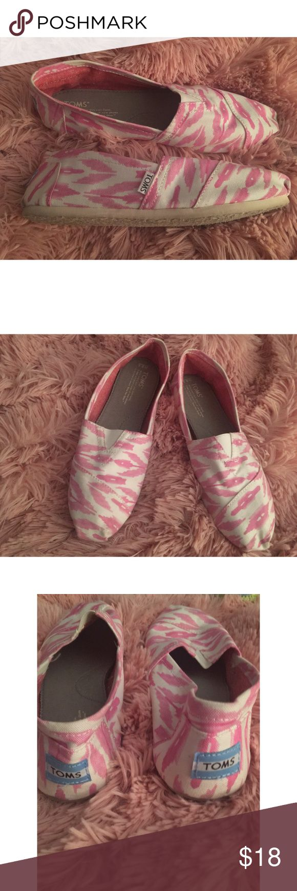 Chevron Pink and White Toms (gently used-size 9.5) Only worn twice, show wear on bottom of shoes but the inserts are perfectly intact. These are no longer available on the Toms website. Comes from a smoke FREE home 🚭 Offers are welcome! Toms Shoes Flats & Loafers