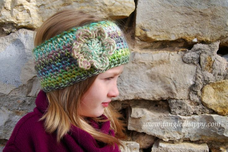 {Free Crochet Pattern} Faux Knit Ear Warmer This soft knit look ear warmer is made entirely with single crochet. Works up in about an hour and will keep you cozy all winter long.