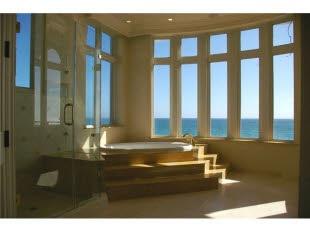 A bathtub with views.: Interiors Design