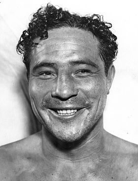 Heavyweight Champion of the World Max Baer is an 8-1 favorite over unknown boxer Jim Braddock (Russell Crowe).