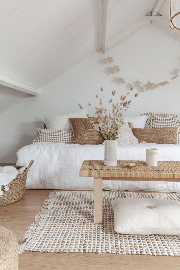 White Paint Colours Rustic White Lounge With Minimal Farmhouse Inside Sty Interior Design Living Room Scandinavian Interior Design House Interior Decor