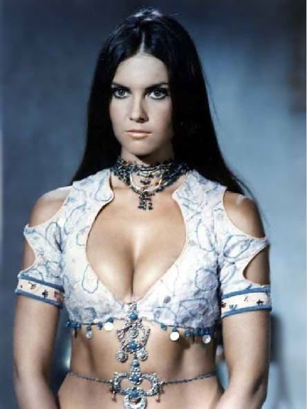 Caroline Munro. Sultry, Scottish, scream queen. What an awesome costume.