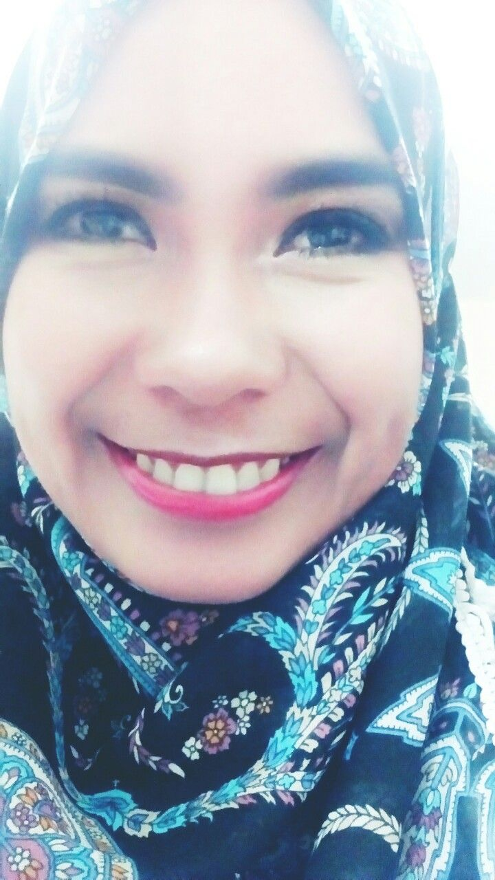 Smile, Happiness looks gorgeous on you. #my_hijab_is_my_diamond