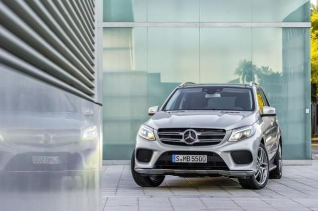 Awesome Mercedes: Nice Mercedes 2017 - Mercedes-Benz GLE Class ครอสโอเวอร์...  Cars World Check more at http://24car.top/2017/2017/07/14/mercedes-nice-mercedes-2017-mercedes-benz-gle-class-%e0%b8%84%e0%b8%a3%e0%b8%ad%e0%b8%aa%e0%b9%82%e0%b8%ad%e0%b9%80%e0%b8%a7%e0%b8%ad%e0%b8%a3%e0%b9%8c-cars-world/