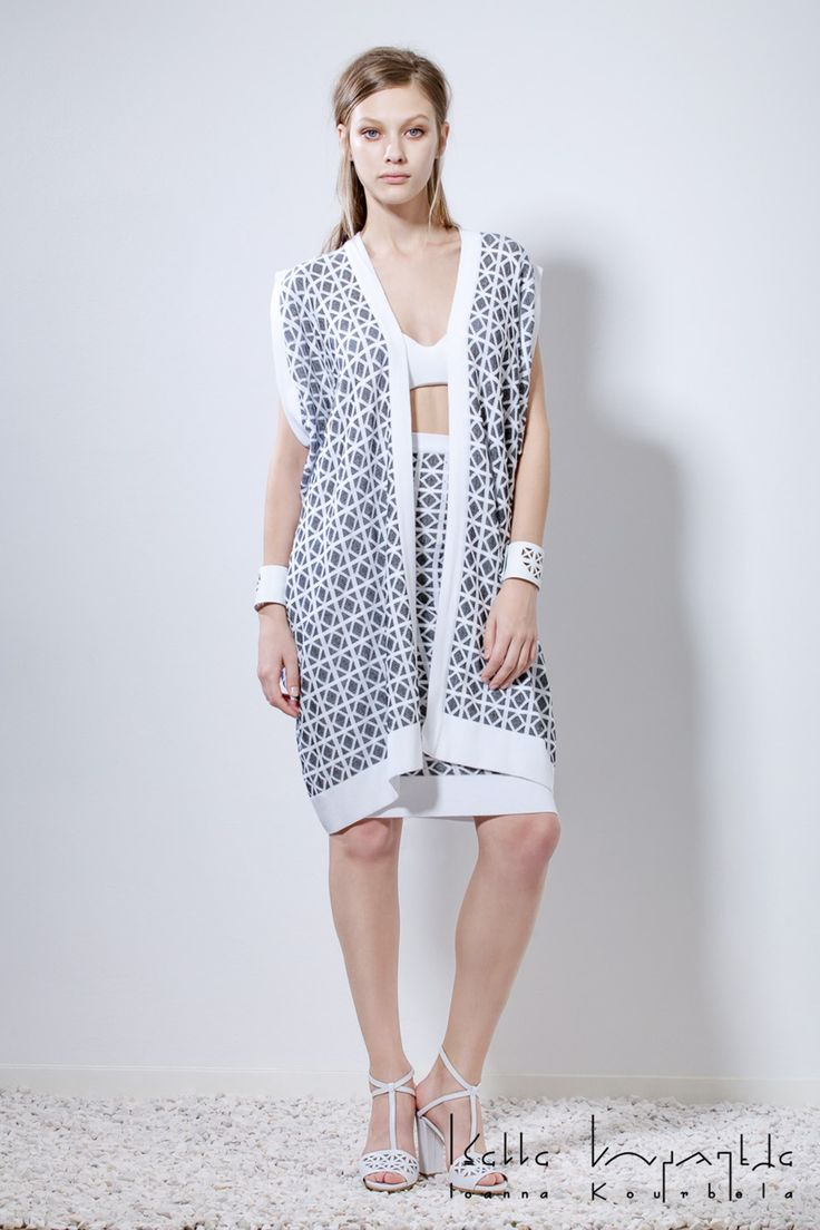 IOANNA KOURBELA Spring 2016 16110 Fabric Composition 70% Viscose, 30% Polyester