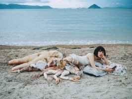 Mari Katayama - arte senza gambe Questa settimana, nel nostro speciale fotografico, vi presentiamo Mari Katayama, una bella ragazza giapponese che dopo l'amputazione di entrambe le gambe a soli 9 anni ha trasformato il proprio corpo #foto #fotografia #protesi #amputazione
