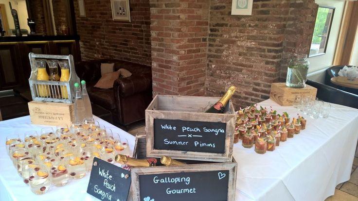 Deluxe Fine Food Package: White Peach Sangria & Summer Pimm's @Galloping Gourmet UK