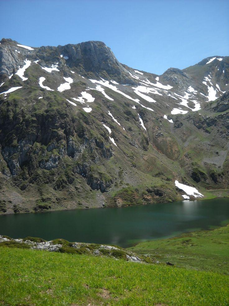 Los lagos de Saliencia , el Lago del Valle y la zona de montaña. #asturias #somiedo #spain #montañas