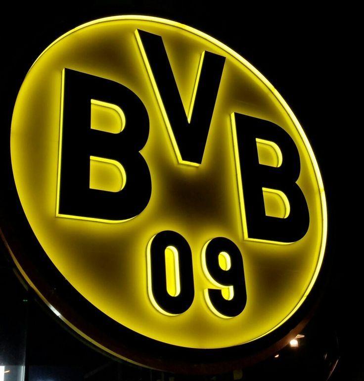 Borussia Dortmund Wallpaper Borussia Dortmund Wallpaper Muralha Amarela Futebol Jogadores De Futebol