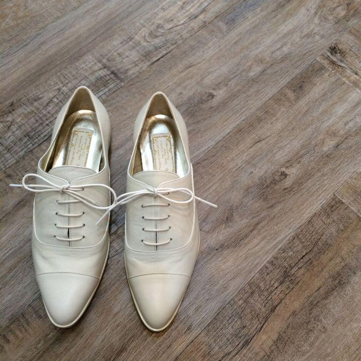 こんにちわ。ナチュラル&カジュアルウェディングドレス専門店blancobianco-ブランコビアンコ-です。ウエディングシューズブランドombre新作シューズ…