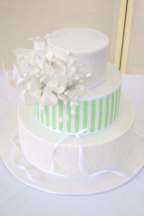 Taya of Deliciously Decadent Cake Design