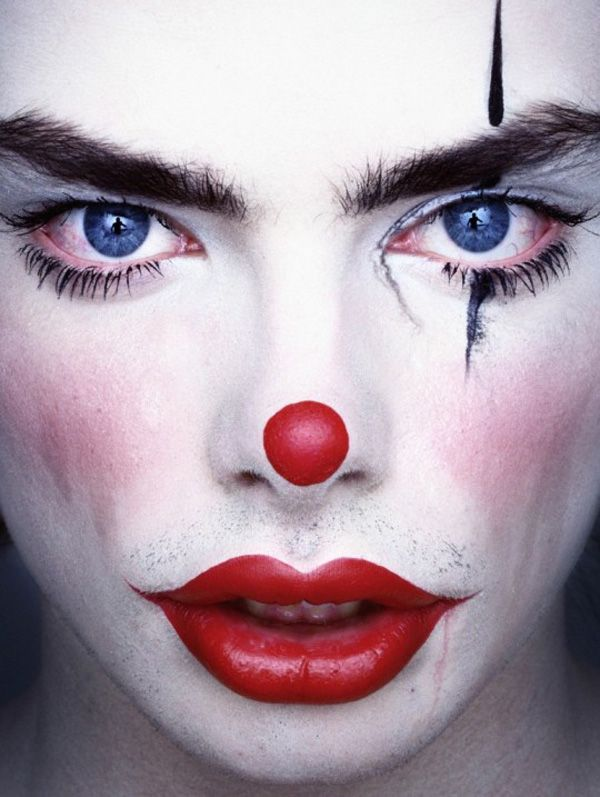Clowns by Erwin Olaf. Good inspiration for Halloween make up. #clown. See more here  bumbumbum.me/...Halloween Make, Erwinolaf, The Face, Erwin Olaf, Clowns Makeup, Alex Boxes, Clown Makeup, Clowns Face, Alex O'Loughlin