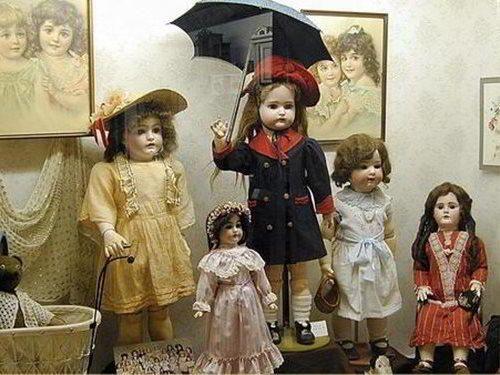 Muzeum historických hraček na zámku Benátky nad Jizerou