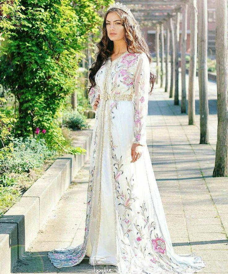 #تكشيطة_مغربية . . @Regrann from @moroccandress -  #Moroccandress . . #dressmoroccan_caftanbeautiful . . . .  when a dress gives you royalty  . . . #مضمة_مغربية    ● ● ● ● ● #التكشيطة_المغربية #تكشيطة#مغربيات #التكشيطة #الحلي_المغربية #المغربيات_ملكات_على_عرش_الانوثة_و_الجمال .    . #takshita #takchita #moroccanwork #moroccanstyle#moroccantouch #fashioncréation #elegant  #luxury #traditional #handmade #takcheta #caftaninspiration #caftanmarocain